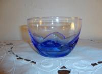 Glasskål med blå fod